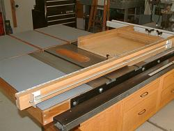 Table Saw and Router Work Center with T-Square Fence-dscf0007.jpg