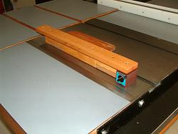 Table Saw and Router Work Center with T-Square Fence-dscf0017.jpg