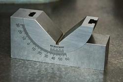 Tilting V-block setting aid-anglethingie.jpg