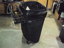 Trash can handle/basket for storing dustpan and brush-dsc01337a.jpg