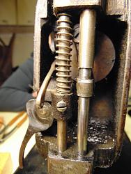 Trouble with old sewing machine-dsc02049_1600x1200.jpg