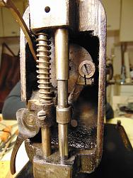Trouble with old sewing machine-dsc02050_1600x1200.jpg
