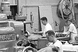 Vintage work crew photos-aircraft_engine_research_lab_machine_shop10_1946_16bit.jpg