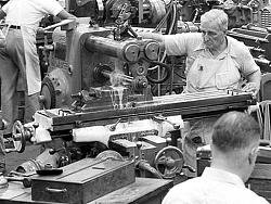 Vintage work crew photos-aircraft_engine_research_lab_machine_shop4_1946_16bit.jpg
