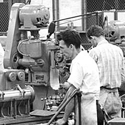 Vintage work crew photos-aircraft_engine_research_lab_machine_shop7_1946_16bit.jpg