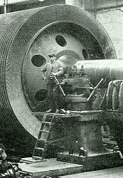 Vintage work crew photos-huge-handle-turning.jpg