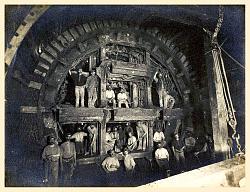 Vintage work crew photos-tunneling_london_work_crew_fullsize_clean.jpg