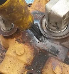 Welding a cast iron hydraulic valve-20161025_100628b.jpg