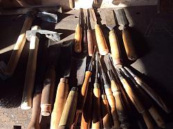 Woodcarving gouges-image.jpg