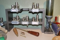 Reloading Head Stand