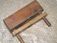 Dowel Threader
