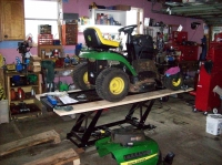 Lawn Tractor Lift