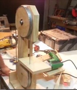Homemade drill powered bandsaw for 12 inch portable table saw