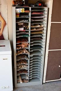 Homemade Sandpaper Cabinet - HomemadeTools.net