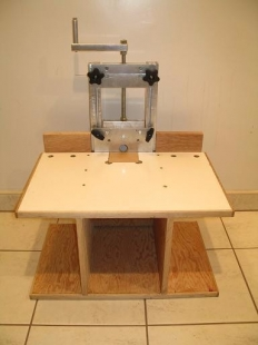 Homemade horizontal router table homemadetools homemade horizontal router table keyboard keysfo Image collections