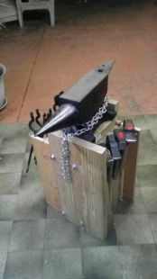 Scrap Metal For Sale >> Homemade Anvil Stand - HomemadeTools.net