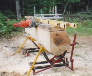 On-Location Chainsaw Mill