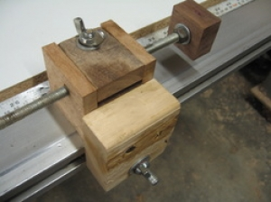Table Saw Fence Positioner