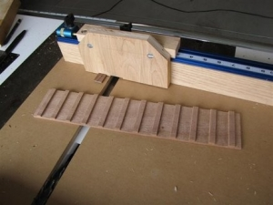 Crosscut Sled with Box Joint Attachment