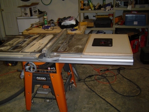 Homemade router table and table saw homemadetools homemade router table and table saw greentooth Choice Image
