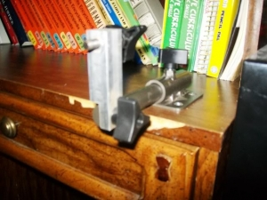 how to make a bow vise