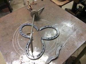 Réalisation Accessoire : 3ème main du soudeur (à mode Corse, la vraie !...) Homemade-welder-s-third-hand-4