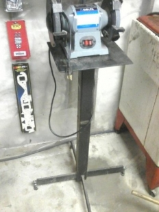 Homemade Grinder Stand With Leveling Pads Homemadetools Net