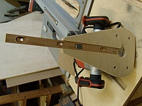 Adjustable Circle-Cutting Jig