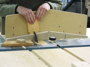 Swell Homemade Table Saw Dovetail Jig Homemadetools Net Download Free Architecture Designs Scobabritishbridgeorg