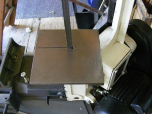 Hinged Bandsaw Table