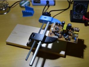 Homemade PCB Vise - HomemadeTools.net