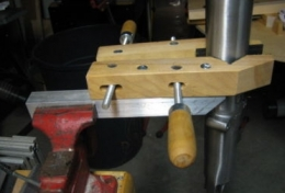 Vise-Mounted Fork Tube Holder