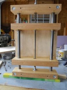Homemade router lift homemadetools router lift greentooth Image collections