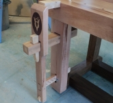 Wedge-Powered Leg Vise
