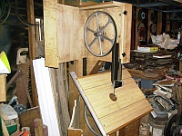 18-Inch Tilting Table Bandsaw