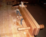 Twin-Screw Bench Vise