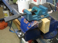 Screw Vise Mounting Solution