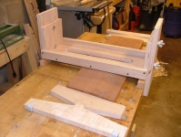 Swiveling Bench Dogs