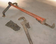 Pipe Wrench Holder